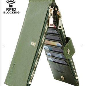 Travelambo RFID Blocking Bifold Multicard Wallet